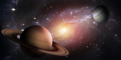 Click image for larger version  Name:Saturn and Jupiter.jpg Views:17 Size:61.5 KB ID:45526