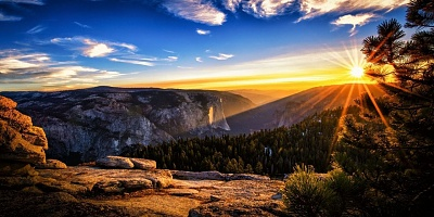 Click image for larger version  Name:gorgeous_sunrise-1280x640.jpg Views:33 Size:163.8 KB ID:37677