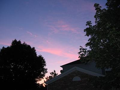 Click image for larger version  Name:sunsetsky_at_home.jpg Views:281 Size:190.6 KB ID:11998