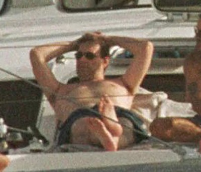 Click image for larger version  Name:Andrew on yacht2_EJibc7WVUAAozHF.jpg Views:5 Size:75.1 KB ID:41853