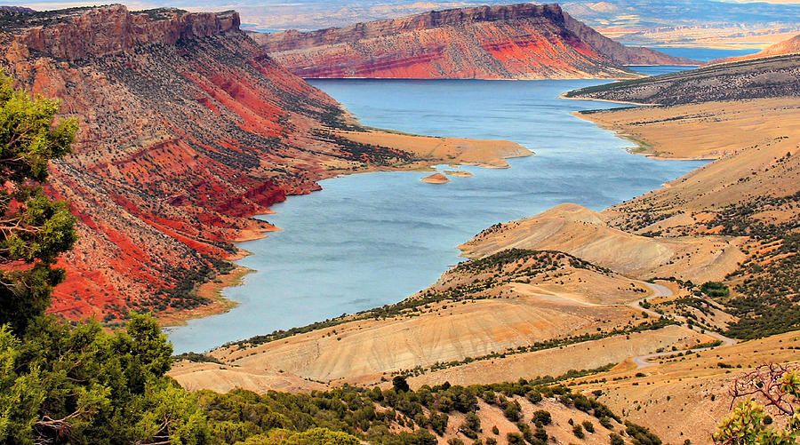 Click image for larger version  Name:flaming-gorge-kristin-elmquist.jpg Views:197 Size:190.1 KB ID:40587