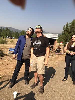 Click image for larger version  Name:corey goode and jimmy church eclipse.jpg Views:21 Size:199.3 KB ID:36284